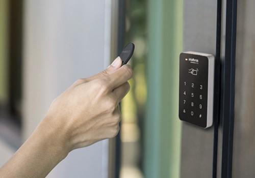 instalação e manutenção de controle de acesso